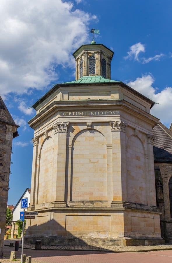 Kunglig mausoleum i den historiska mitten av Stadthagen royaltyfria foton