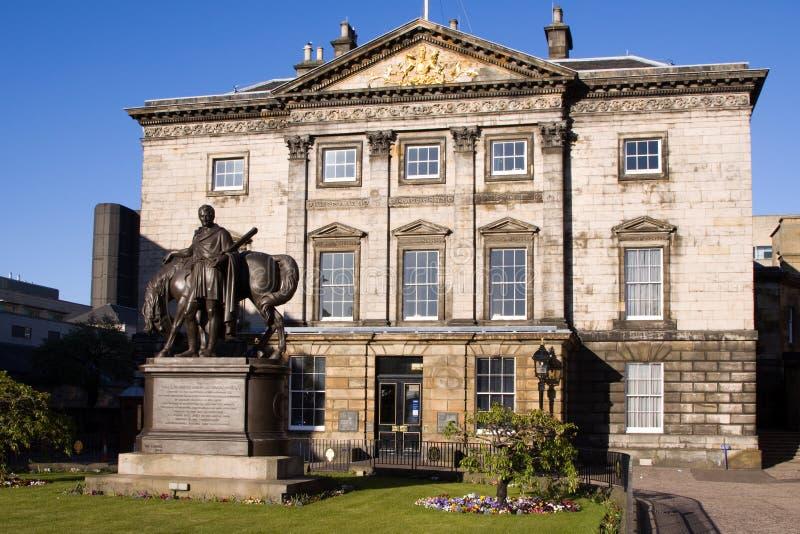 kunglig person scotland för hq för gruppdundasedinburgh hus royaltyfri foto