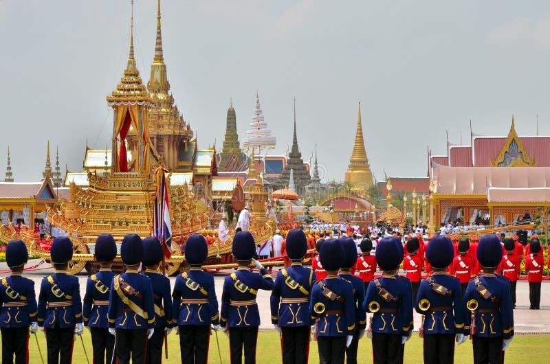kunglig soldaturn för moving respect arkivfoto