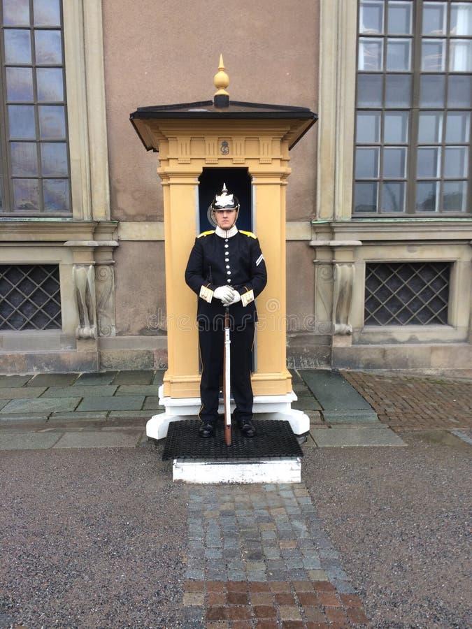 Kunglig vakt i Stockholm, Sverige Nära Royal Palace royaltyfri fotografi