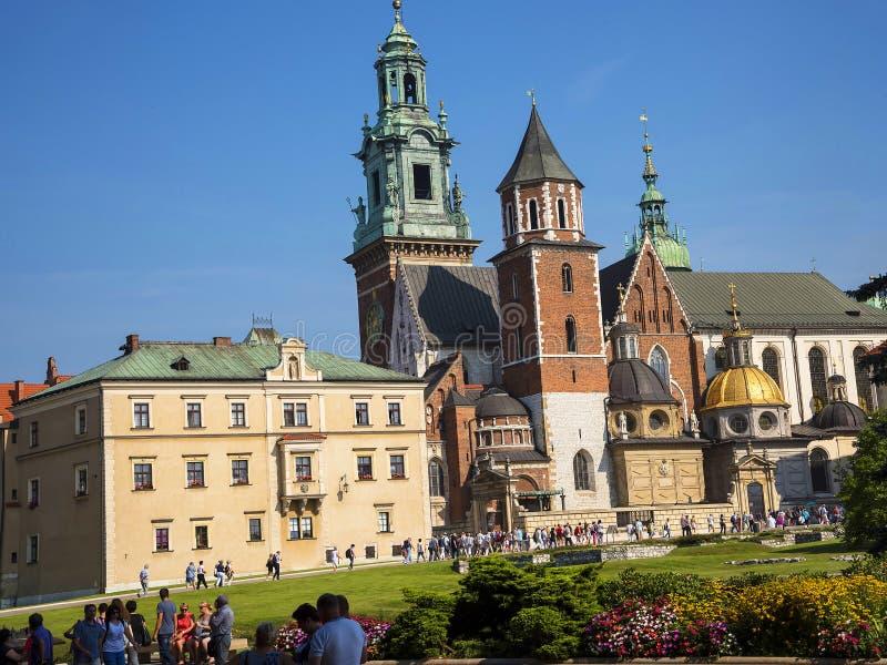 Kunglig Wawel slott och domkyrka i Krakow Polen royaltyfri foto