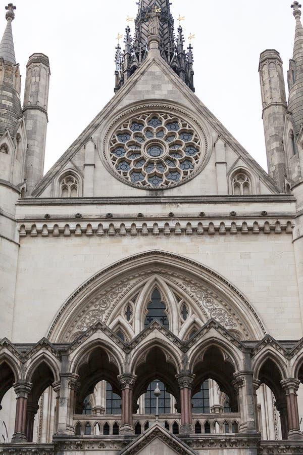 Kungliga domstolar, gotisk stilbyggnad, fasad, London, Förenade kungariket arkivfoto