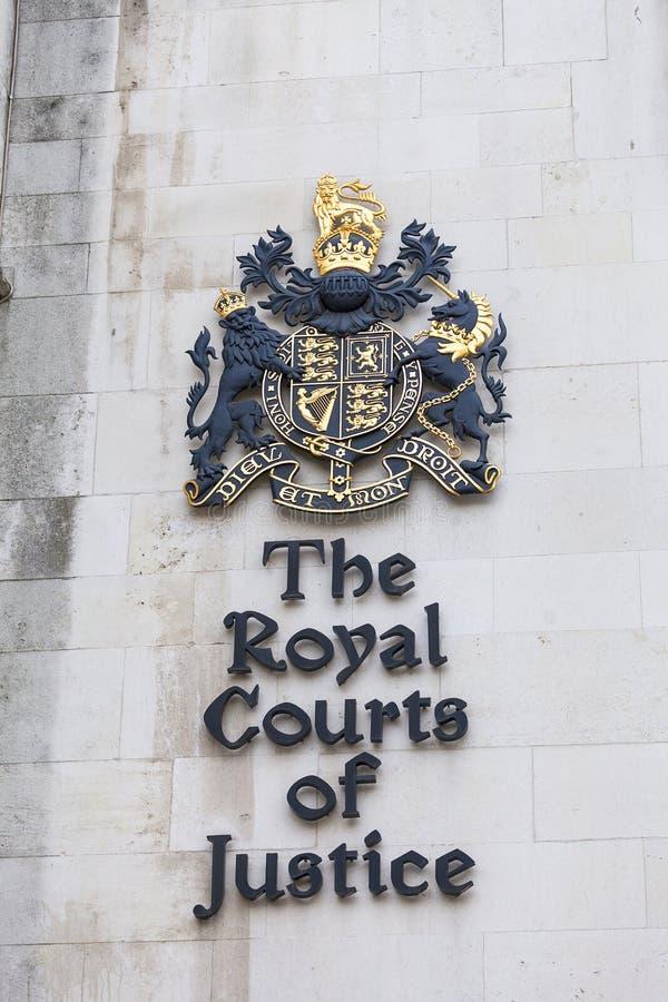 Kungliga domstolar, gotisk stilbyggnad, fasad, London, Förenade kungariket arkivfoton