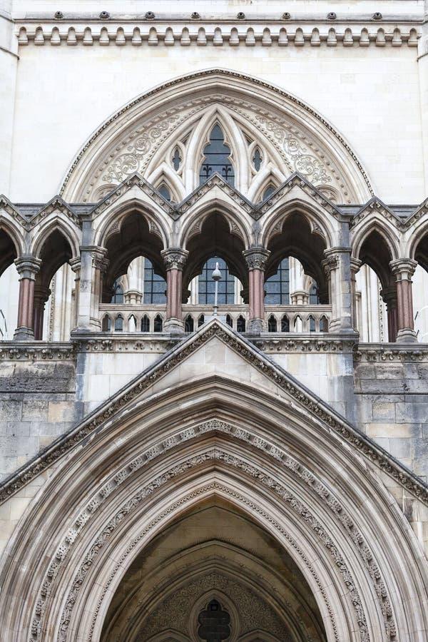 Kungliga domstolar, gotisk stilbyggnad, fasad, London, Förenade kungariket royaltyfri fotografi