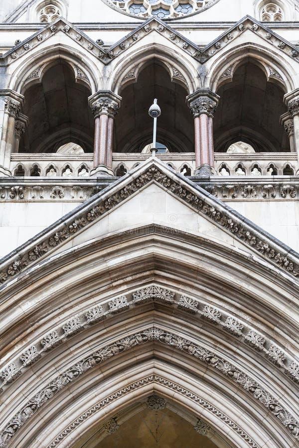 Kungliga domstolar, gotisk stilbyggnad, fasad, London, Förenade kungariket arkivbild