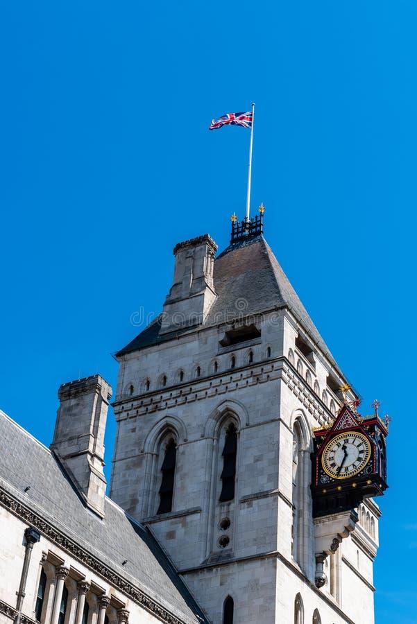 Kungliga domstolar som bygger i London arkivbild