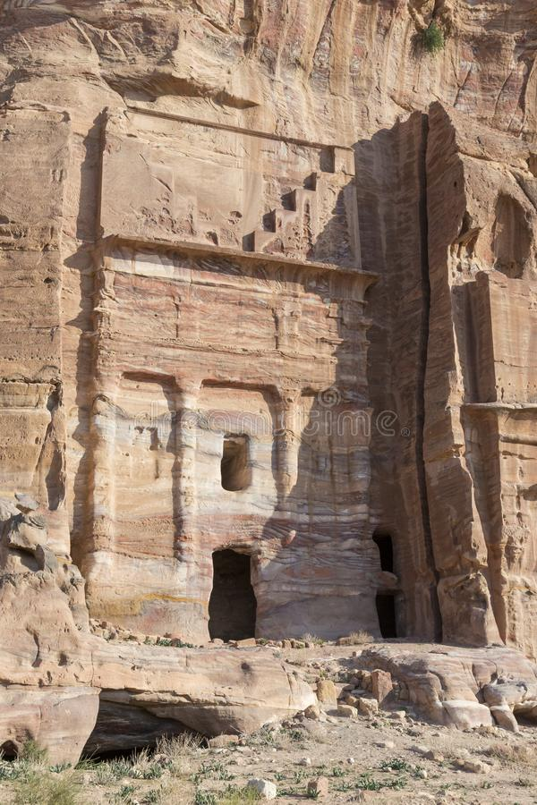 Kungliga gravvalv i den forntida staden av Petra, Jordanien arkivbild