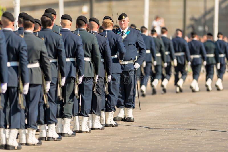 Kungliga personen bevakar sammankomsten. Juni 8, 2013, Stockholm, Sverige royaltyfri fotografi