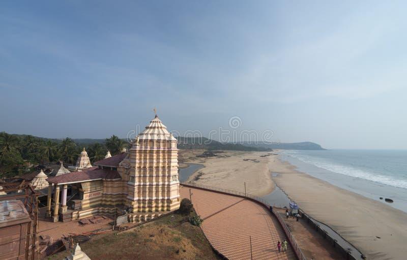 Kunkeshwar寺庙Arial视图在Malvan附近的 免版税库存图片