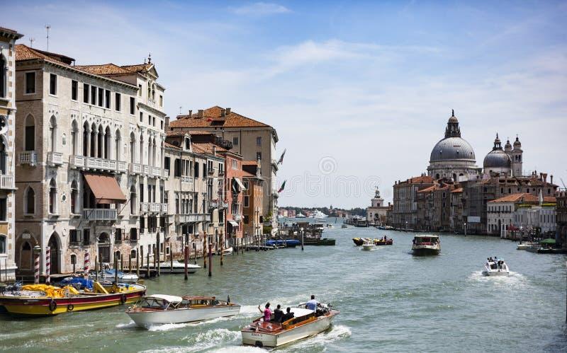 Kunna stort i den förträffliga unika Venedig, Italien arkivfoton