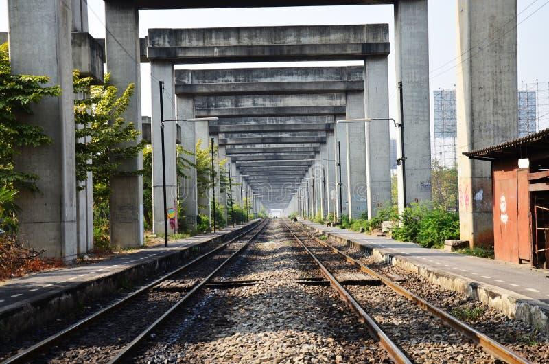 Kunst auf Bangkok-Hochstraße-und -zug-System BERTS oder HopeWell-Projekt in Bangkok Thailand lizenzfreies stockfoto