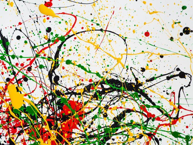 Kunst spritzte verschüttete rote schwarze Farbe des Gelbgrüns expressionismus stockfoto