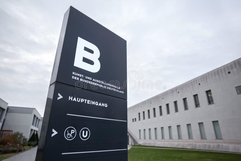 Kunst und ausstellungshalle der bundesrepublik deutschland teken in Bonn Duitsland royalty-vrije stock afbeelding