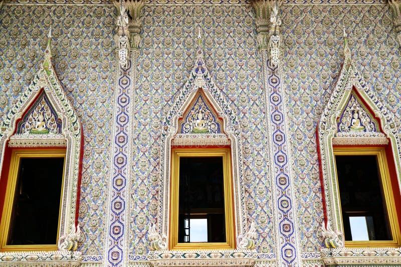 Kunst von borken das Innen Mosaik und verzieren an Banglamungs-Tempel lizenzfreies stockbild