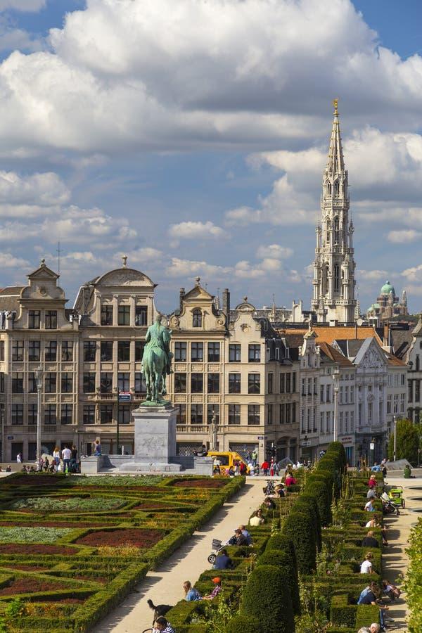 Kunstberg lub Mont des sztuki uprawiają ogródek jak widzieć od podwyższonego punktu widzenia w Bruksela, Belgia (góra sztuki) obraz royalty free