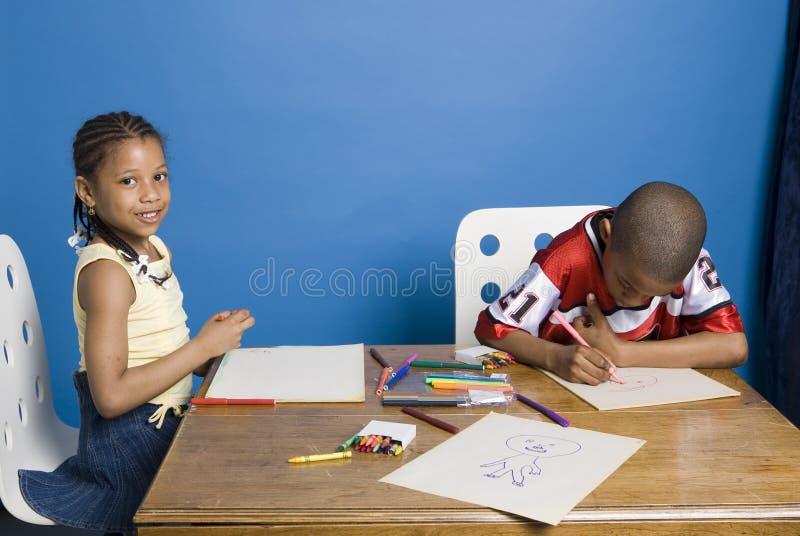 Kunstenaars op het werk stock afbeelding