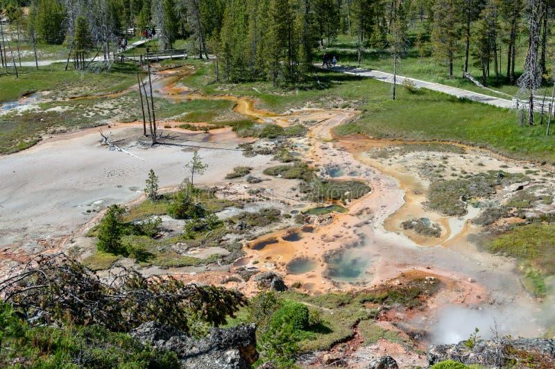 Kunstenaars` s Paintpot Gebied, het Nationale Park van Yellowstone royalty-vrije stock afbeeldingen