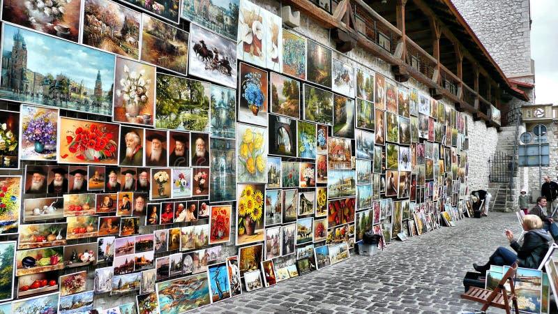 Kunstenaarsmuur in Krakau, Polen stock foto's