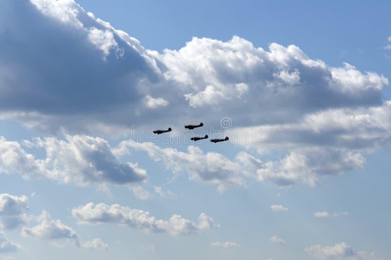 Download Kunstfliegen stockbild. Bild von flip, allgemein, himmel - 27735435
