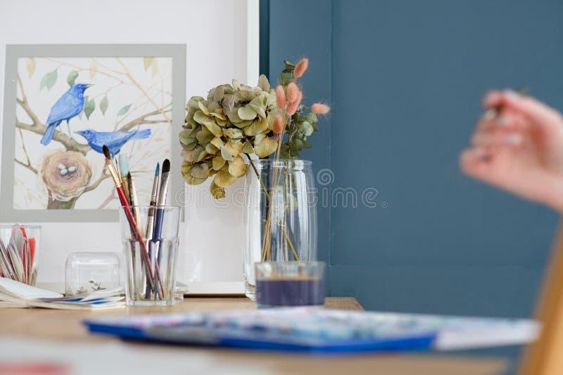 Kunstlebensstilzeichnungsselbstausdruck-Mädchenbild stockbilder