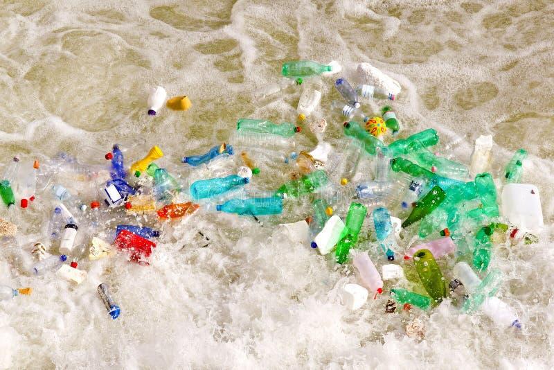 Kunststoffflaschenabfall lizenzfreie stockfotos