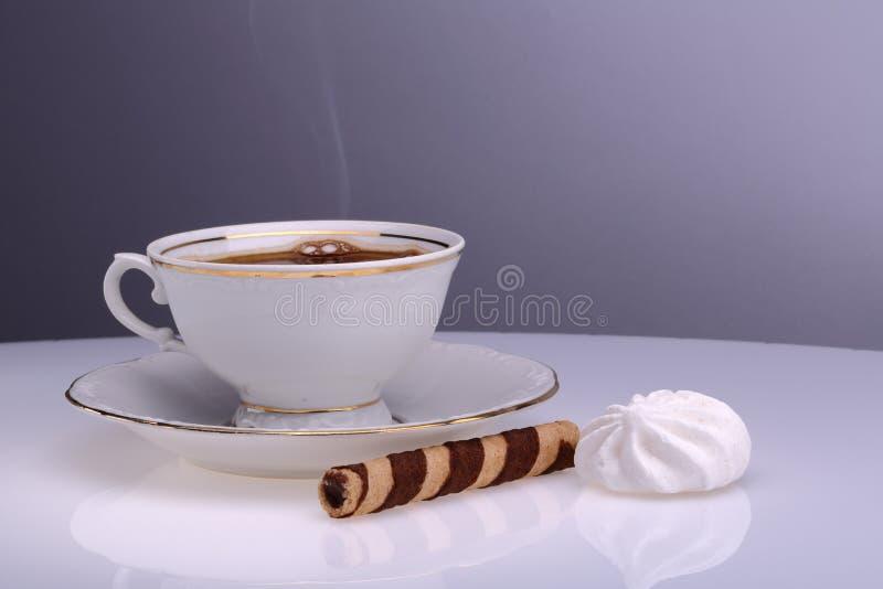 Time för en kupa av kaffe royaltyfri fotografi