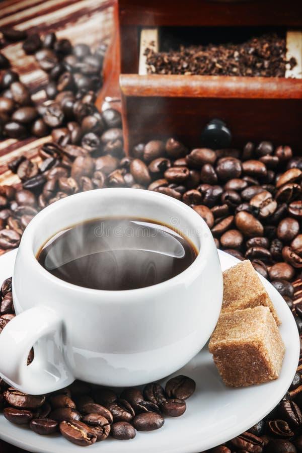 Kupa av varmt kaffe arkivbild