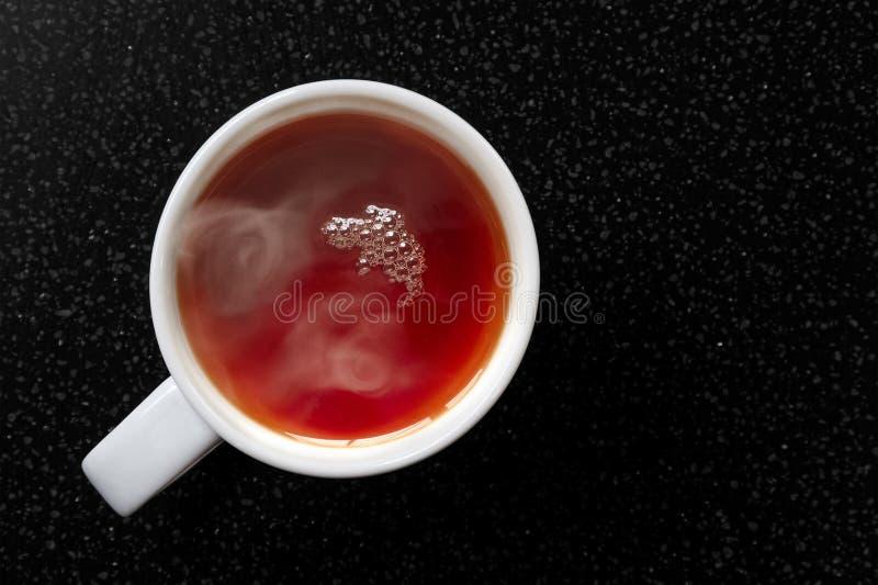 Kupa gorącej herbaty rooibos zdjęcia stock