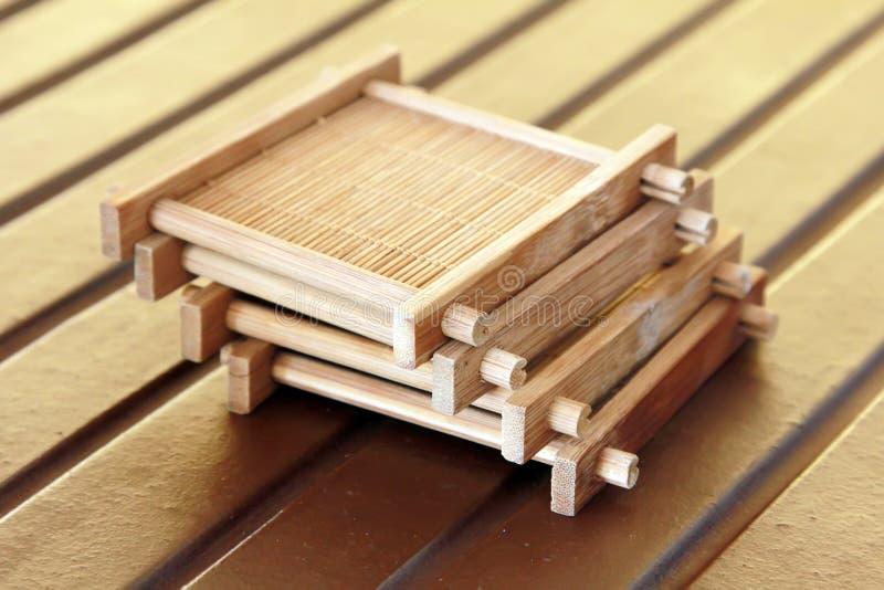 Kuper Materiell Tea För Bambu Sitter Royaltyfri Fotografi