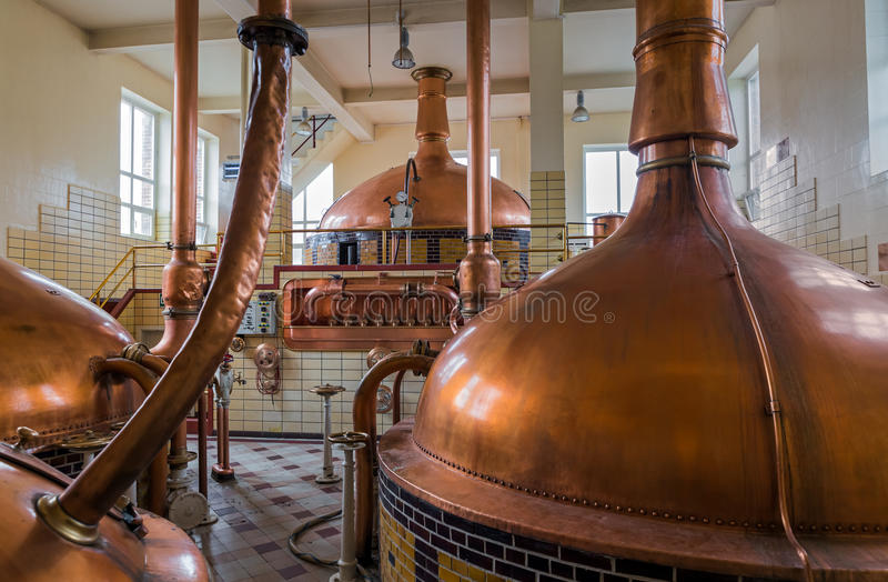 Kupferner Kessel der Weinlese - Brauerei in Belgien stockfotografie