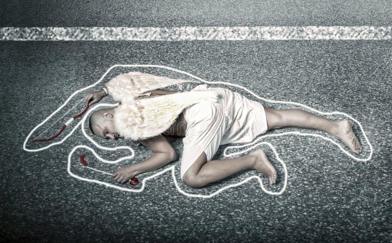 Kupidon som är död efter bilolycka arkivbilder