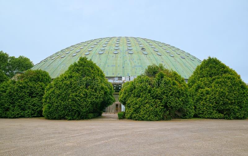 Kupol av Crystal Palace Gardens av Porto royaltyfria foton