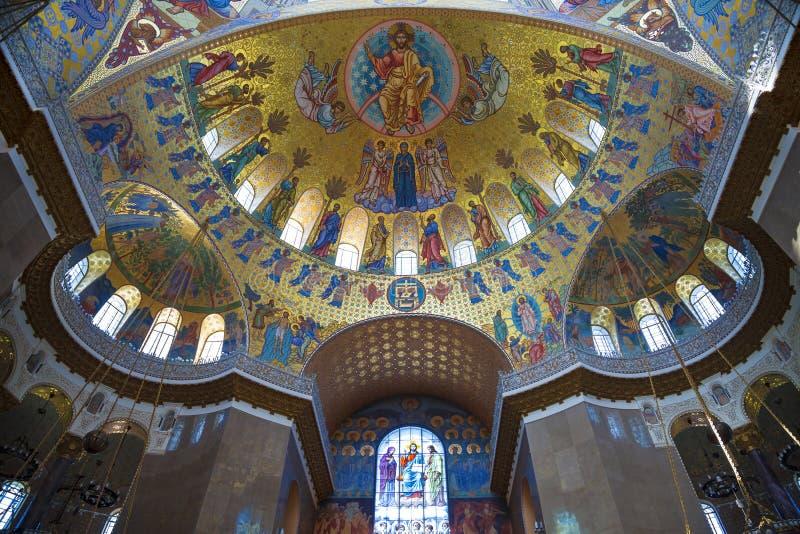 Kupol av den sjö- domkyrkan av St Nicholas i Kronstadt, inre St Petersburg fotografering för bildbyråer