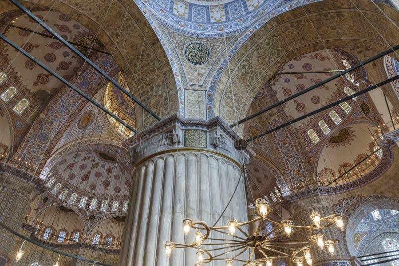 Kupol av moskén av Sultan Ahmed i Istanbul fotografering för bildbyråer
