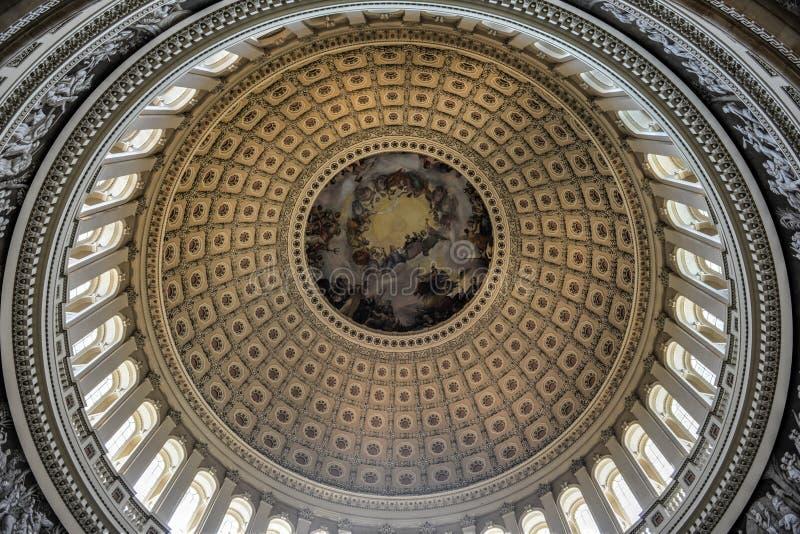 Kupol inom av USA-Kapitolium, Washington DC arkivbilder
