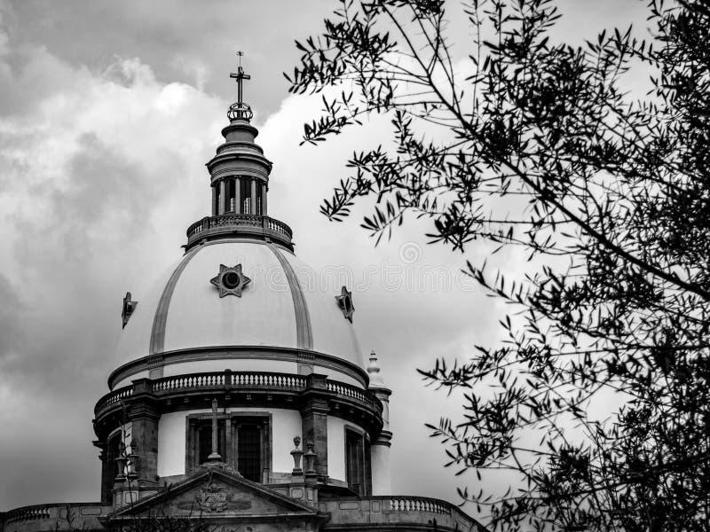 Kupolen av kyrkan av den vår damen av Sameiro, i Braga royaltyfria bilder