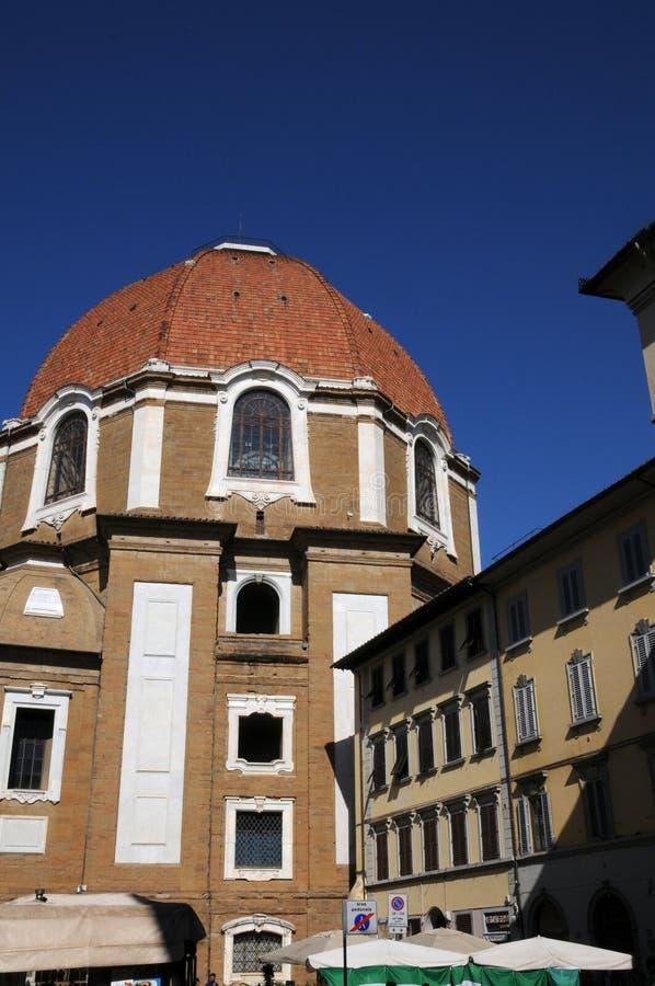 Kupolen av kyrkan av San Lorenzo i Florence, Italien arkivfoto