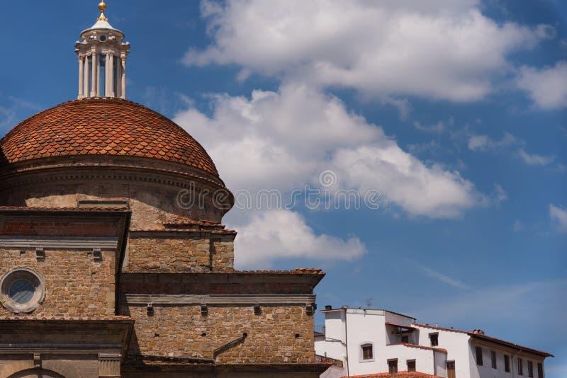 Kupolen av Medici kapell i Sanen Lorenzo Church i Florence, Tuscany, Italien royaltyfri foto