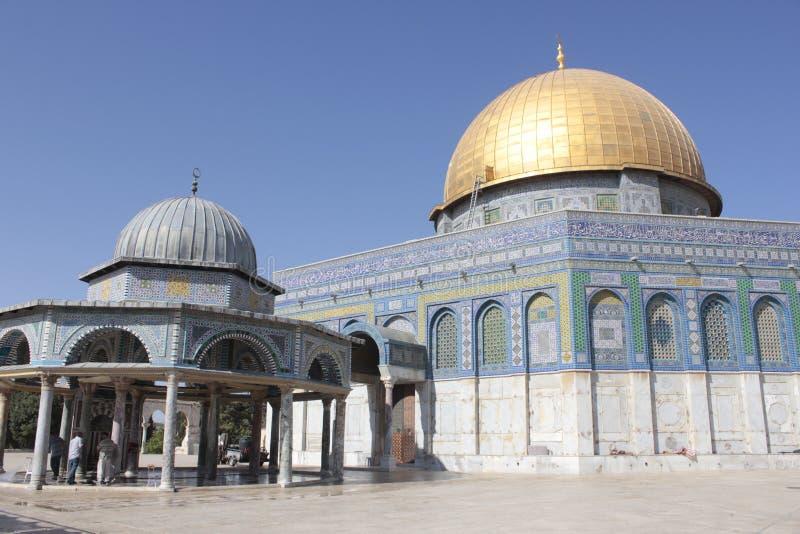 Kupolen av vaggar i tempelmonteringen i Jerusalem royaltyfri fotografi