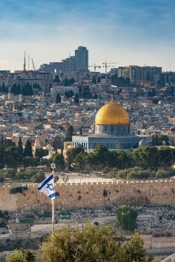 Kupolen av vaggar sett från Mountet of Olives i Jerusalem den gamla staden arkivfoto