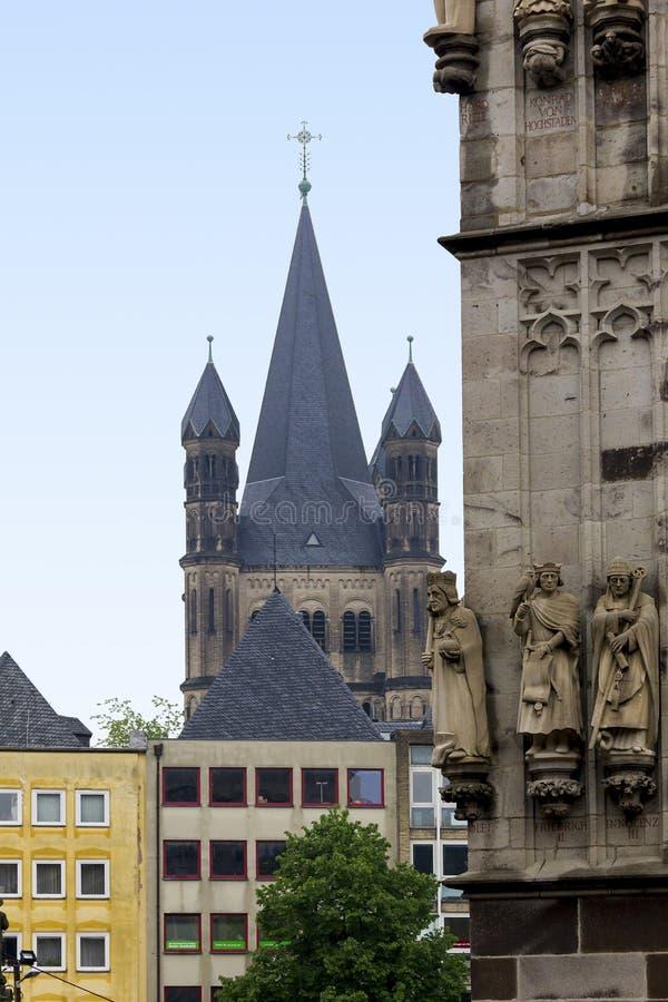 Kupoler av kyrkan av St Martin arkivfoto