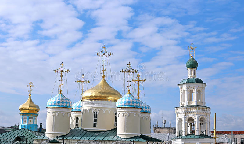 Kupoler av Nicholas Cathedral i Kazan royaltyfri foto