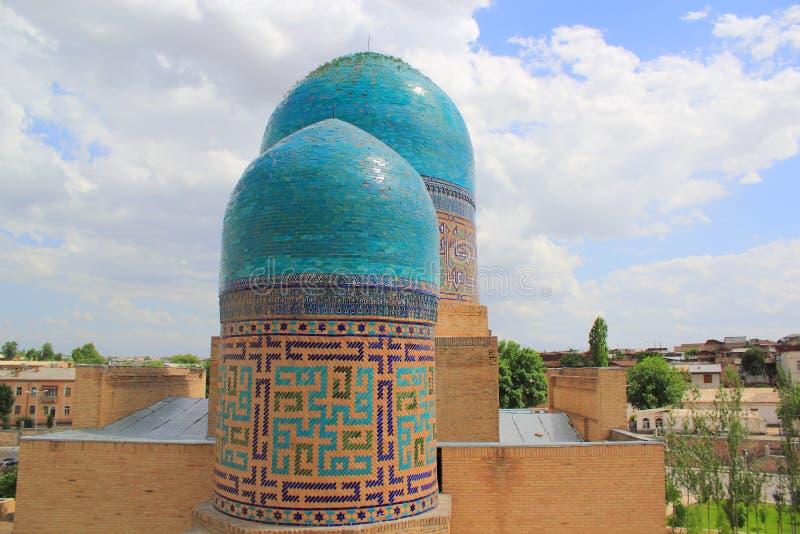 kupolformig dubbel mausoleum royaltyfri foto