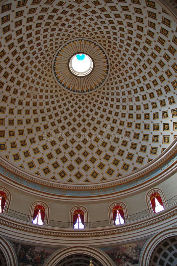 kupolmalta mosta royaltyfri bild