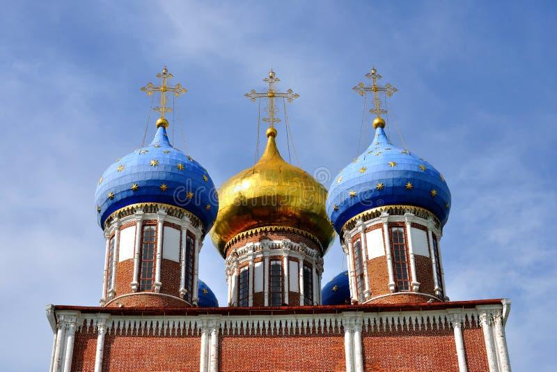 Kuppeln der Kathedrale, Ryazan Kremlin, Russland lizenzfreies stockfoto