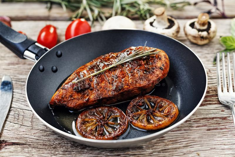 Kurczak, grill, jedzenie, mięso, gość restauracji, stek, wyśmienicie, lunch, drewniany, kucharstwo nieociosany, smaży, zdrowy, pi obraz royalty free