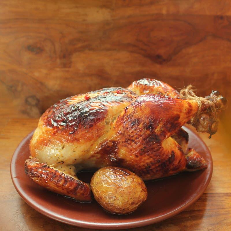 kurczak piec na grillu cały obraz stock