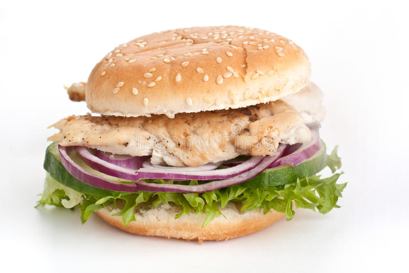 Kurczak piersi hamburger z cebulą i sałatą zdjęcia royalty free