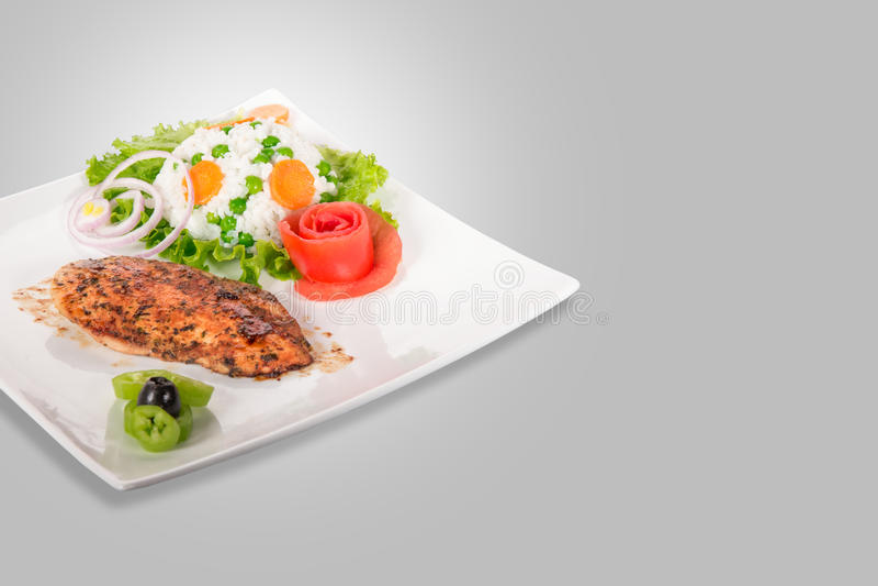 Download Kurczak Polędwicowy Na Talerzu Zdjęcie Stock - Obraz złożonej z talerz, stek: 53776998