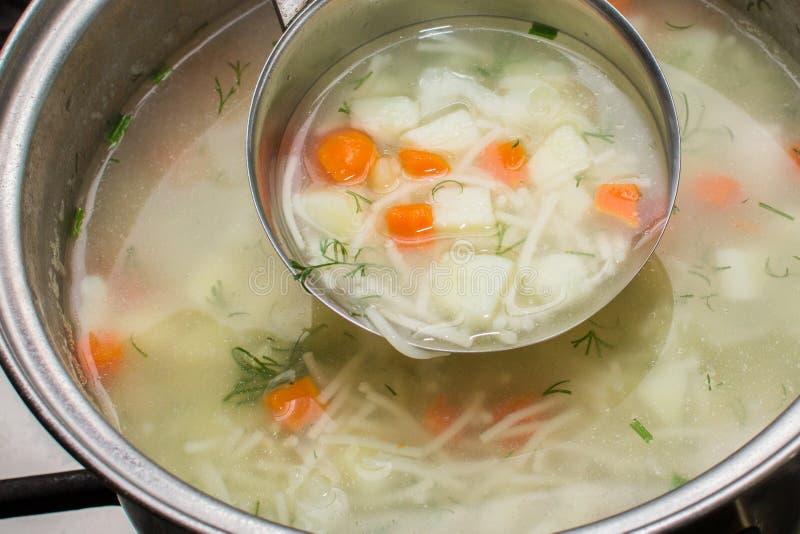 Download Kurczak Polewka Chińska Karmowa Restauracyjna Zdjęcie Stock - Obraz złożonej z stary, czyrak: 53780056